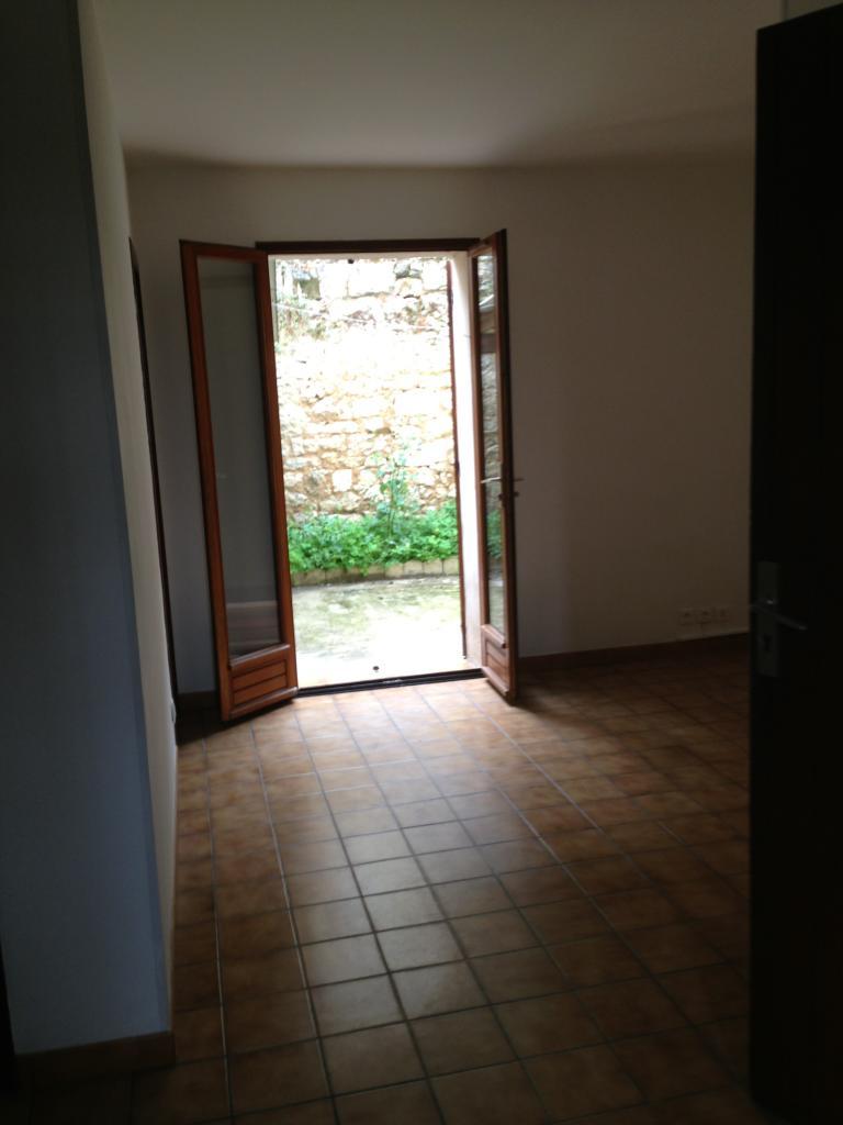 location d 39 appartement t2 sans frais d 39 agence st andre de cubzac 425 30 m. Black Bedroom Furniture Sets. Home Design Ideas