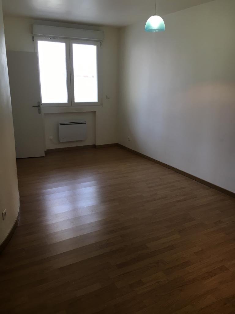 De particulier à particulier Clamart, appartement studio de 25m²