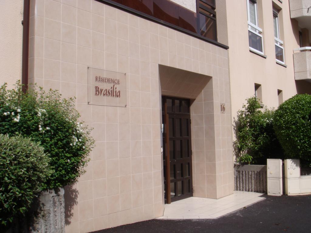 location d 39 appartement t1 sans frais d 39 agence clermont ferrand 420 27 m. Black Bedroom Furniture Sets. Home Design Ideas
