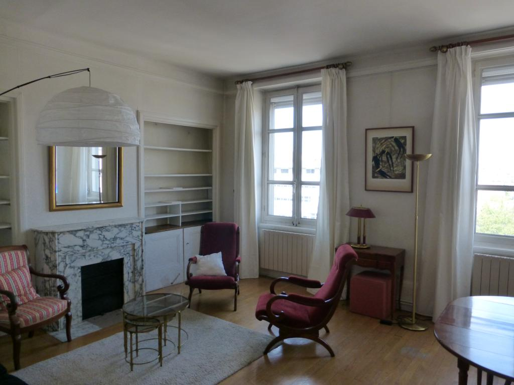 Location appartement T2 Lyon 8 - Photo 1
