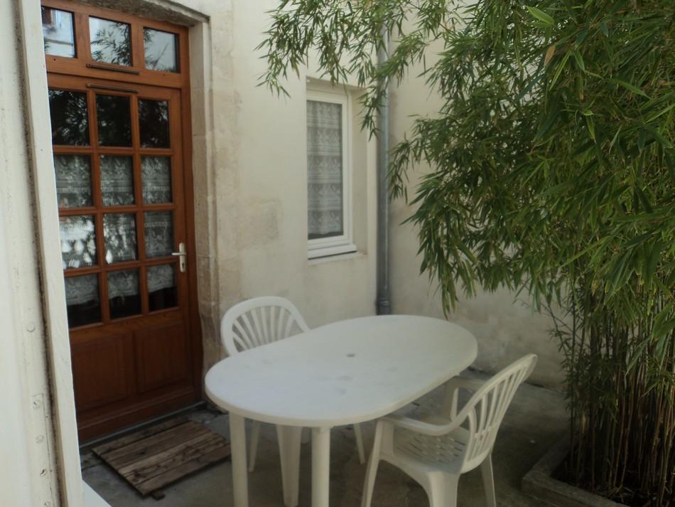 Location d 39 appartement t1 meubl de particulier la for Location d appartement meuble