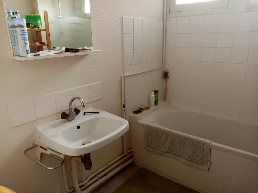 location d 39 appartement sans frais d 39 agence royan 670 75 m. Black Bedroom Furniture Sets. Home Design Ideas