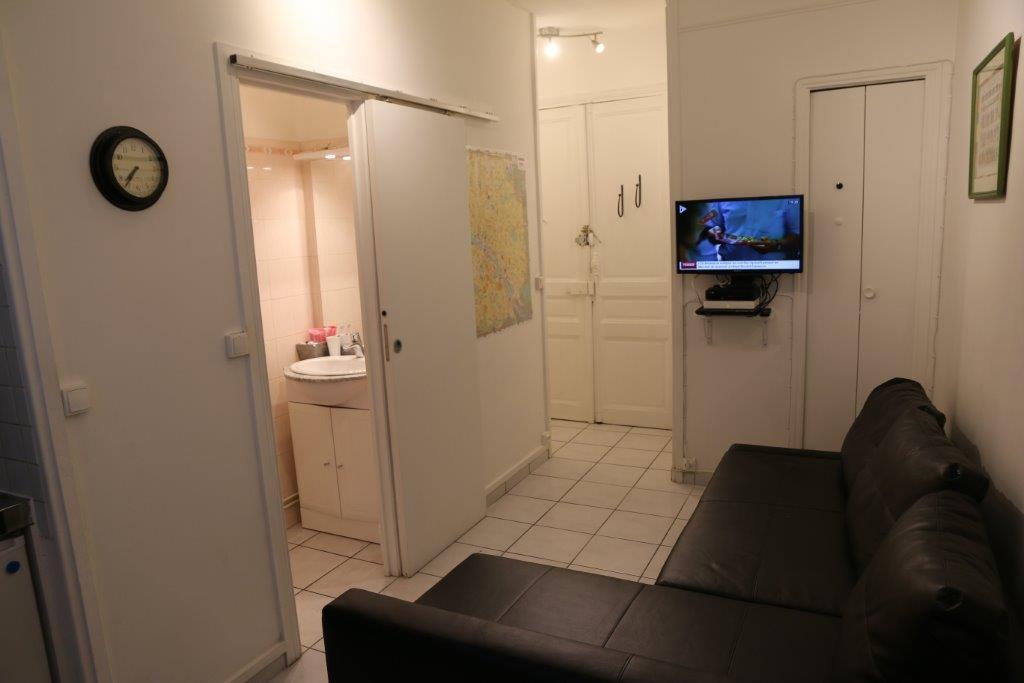 Location de studio meubl sans frais d 39 agence paris for Location paris 18