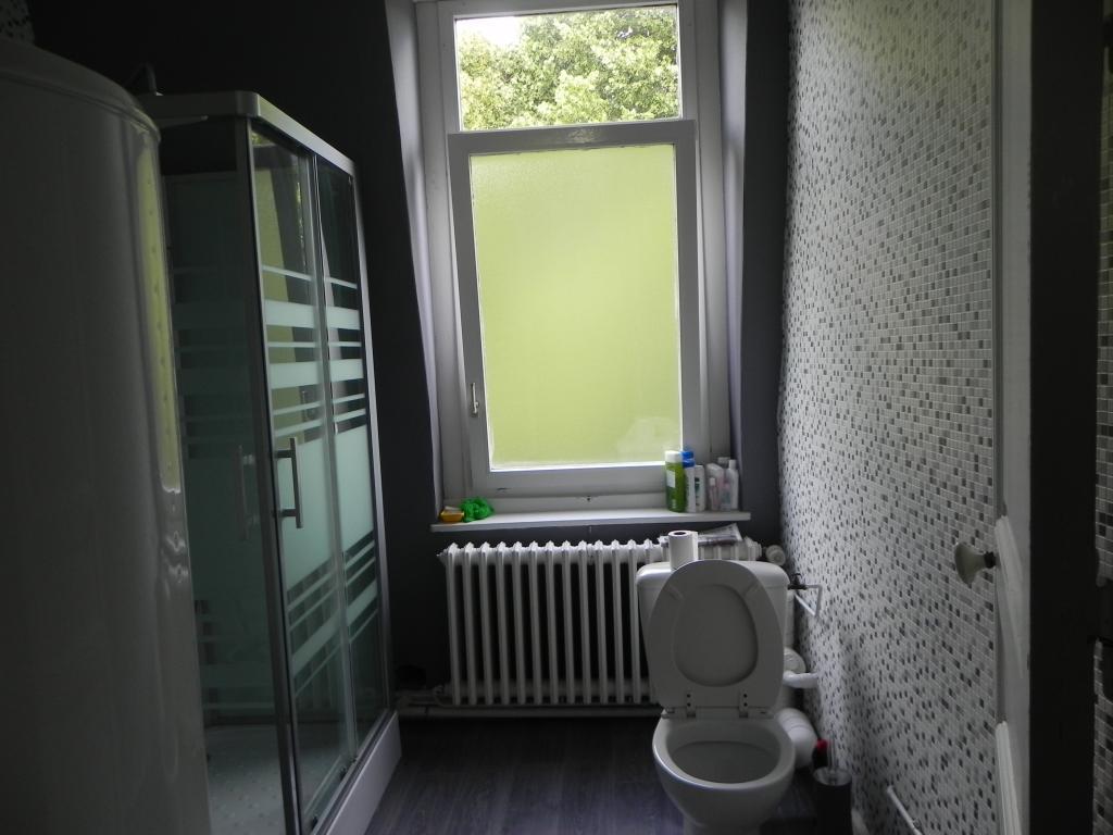 location de chambre meubl e entre particuliers mons en baroeul 410 14 m. Black Bedroom Furniture Sets. Home Design Ideas
