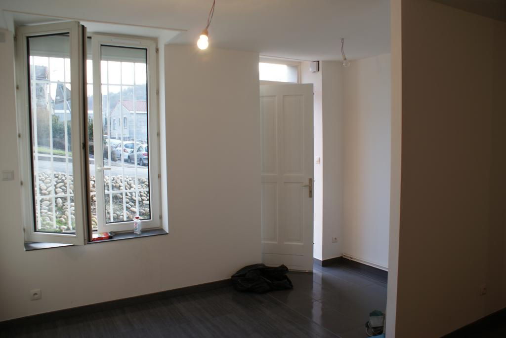 location d 39 appartement t4 sans frais d 39 agence st etienne 570 85 m. Black Bedroom Furniture Sets. Home Design Ideas