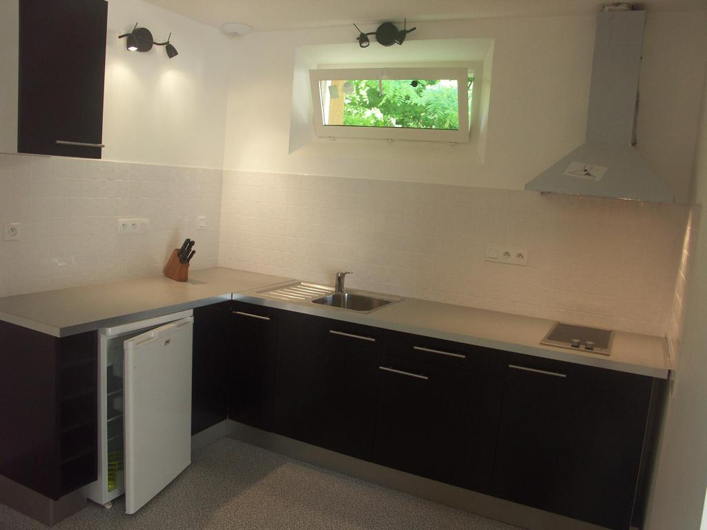 Location d 39 appartement t2 meubl de particulier for Combien coute une cuisine equipee