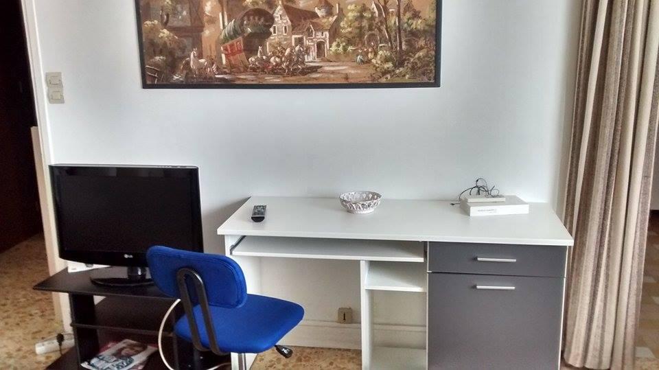 Location de studio meubl sans frais d 39 agence nice 600 - Combien coute une cuisine equipee ...