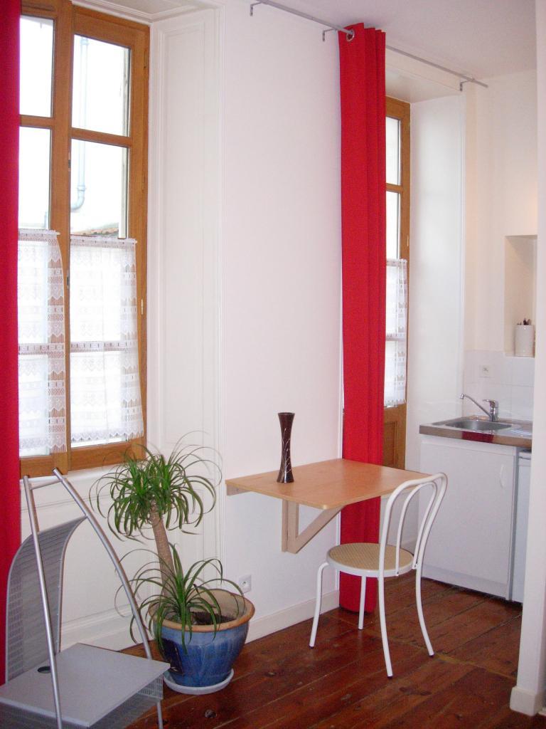De particulier à particulier, studio, de 24m² à La Rochelle