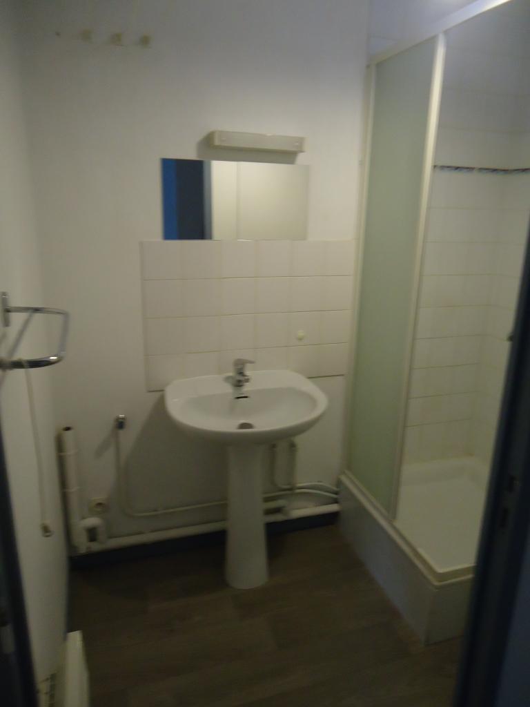 location d 39 appartement t2 de particulier particulier lille 600 32 m. Black Bedroom Furniture Sets. Home Design Ideas