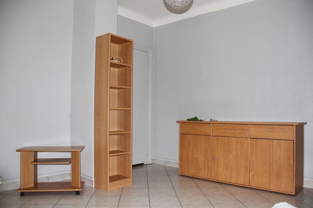 location d 39 appartement t2 meubl de particulier lille 650 35 m. Black Bedroom Furniture Sets. Home Design Ideas
