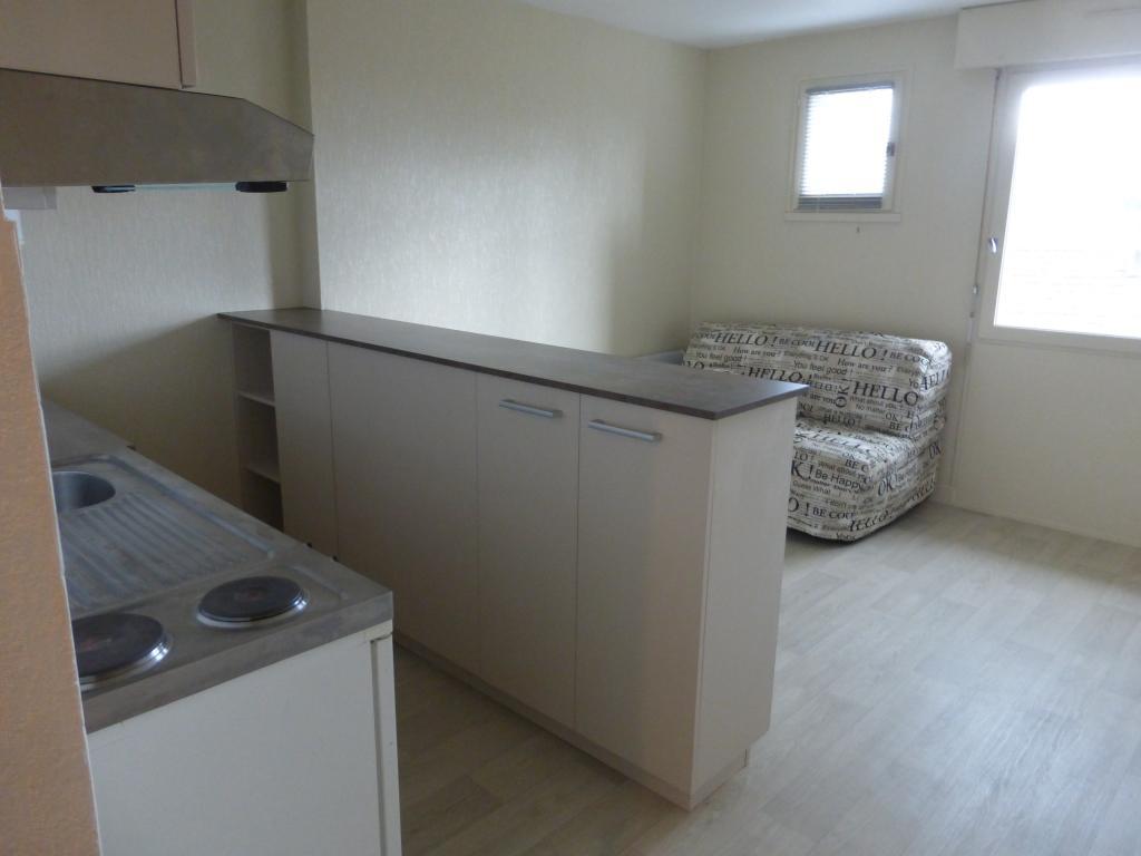 Location d 39 appartement t1 meubl sans frais d 39 agence for Monsieur meuble aurillac