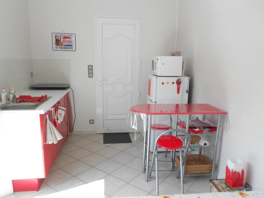 location de studio meubl de particulier particulier angouleme 330 20 m. Black Bedroom Furniture Sets. Home Design Ideas