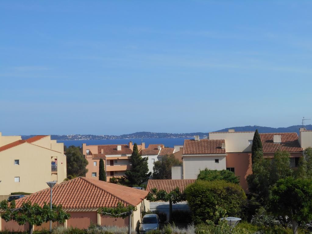 Location appartement T2 Carqueiranne - Photo 1