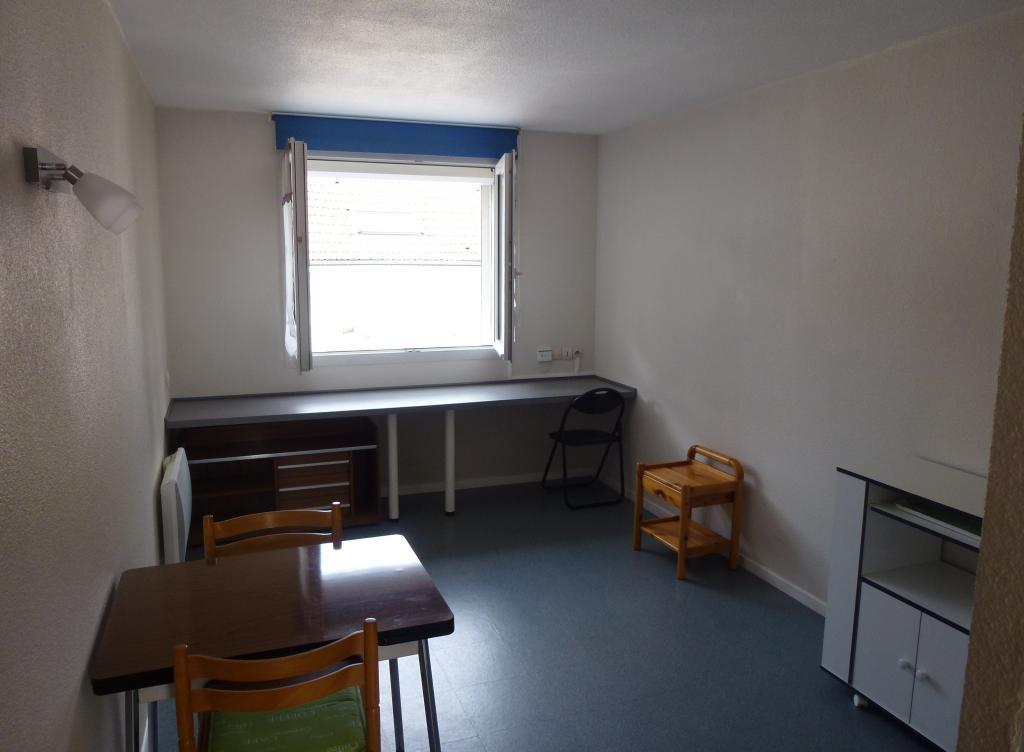 location de studio de particulier particulier reims 395 21 m. Black Bedroom Furniture Sets. Home Design Ideas