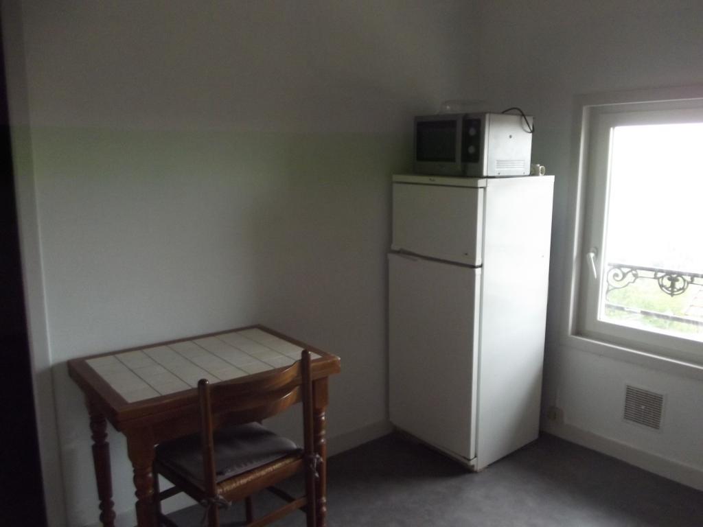 location d 39 appartement t2 meubl sans frais d 39 agence angouleme 350 35 m. Black Bedroom Furniture Sets. Home Design Ideas