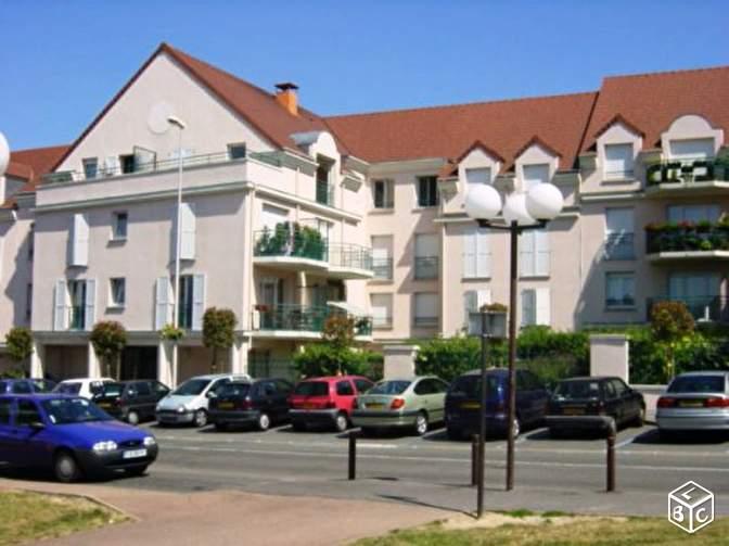 location d 39 appartement t2 de particulier longjumeau 745 41 m. Black Bedroom Furniture Sets. Home Design Ideas