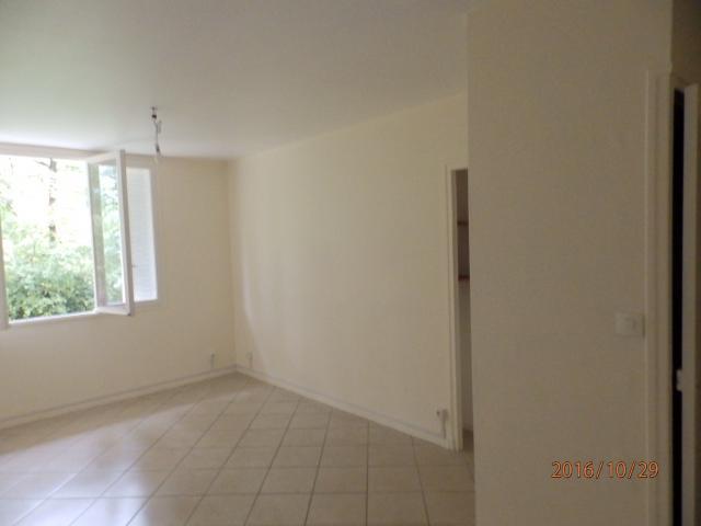 location appartement t3 st egreve. Black Bedroom Furniture Sets. Home Design Ideas