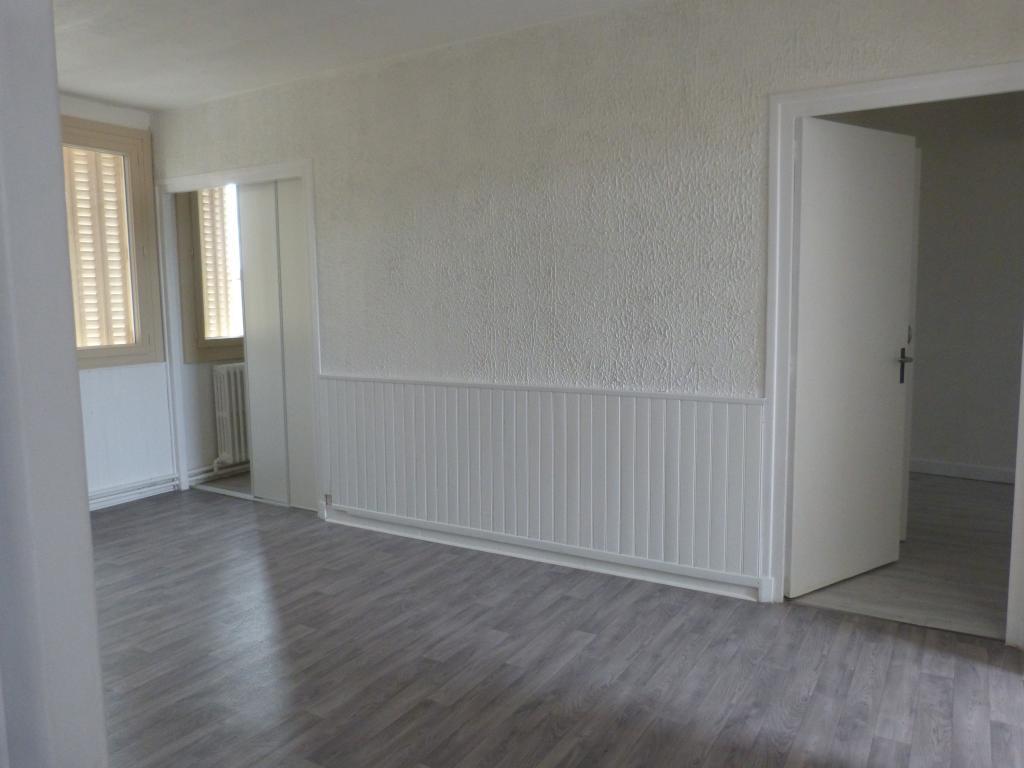 Entre particulier à Montluçon, appartement, de 59m² à Montluçon