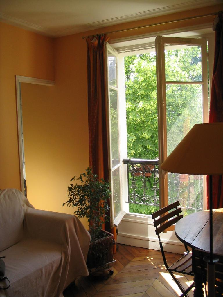 location d 39 appartement meubl de particulier particulier paris 75011 1320 32 m. Black Bedroom Furniture Sets. Home Design Ideas