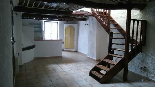 Location immobilière par particulier, Néoules, type appartement, 75m²