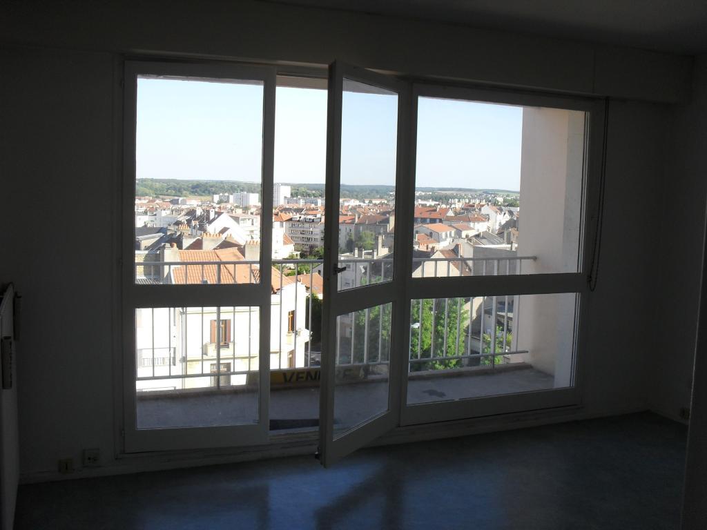 Location particulier, studio, de 27m² à Metz