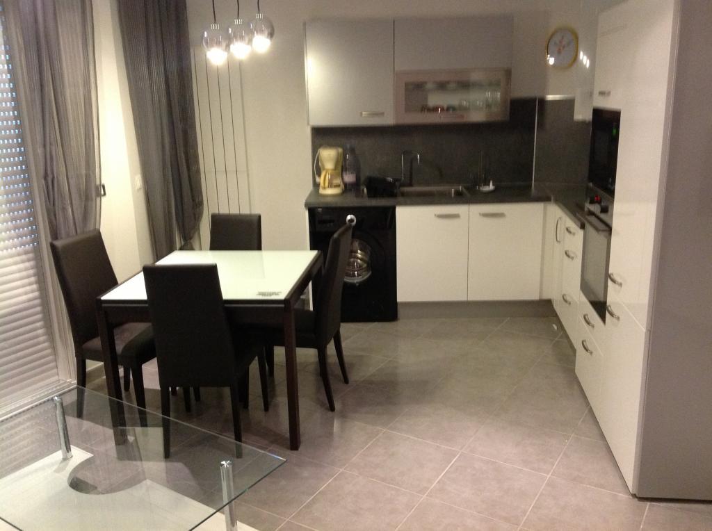 Location de particulier à particulier, appartement, de 40m² à Mandelieu-la-Napoule