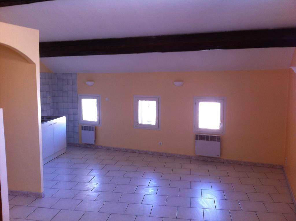 De particulier à particulier, appartement à Sénas, 47m²