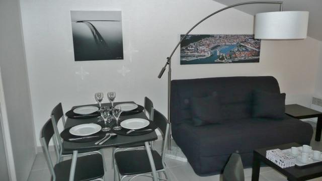 location d 39 appartement t2 meubl entre particuliers la. Black Bedroom Furniture Sets. Home Design Ideas