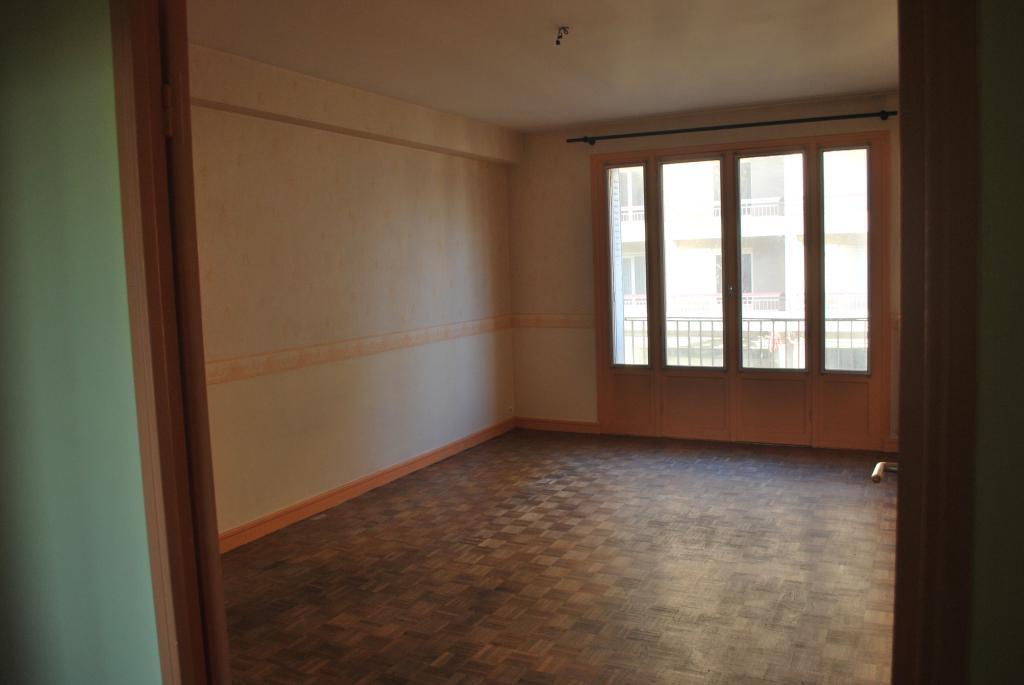 location d 39 appartement t3 entre particuliers limoges 600 72 m. Black Bedroom Furniture Sets. Home Design Ideas