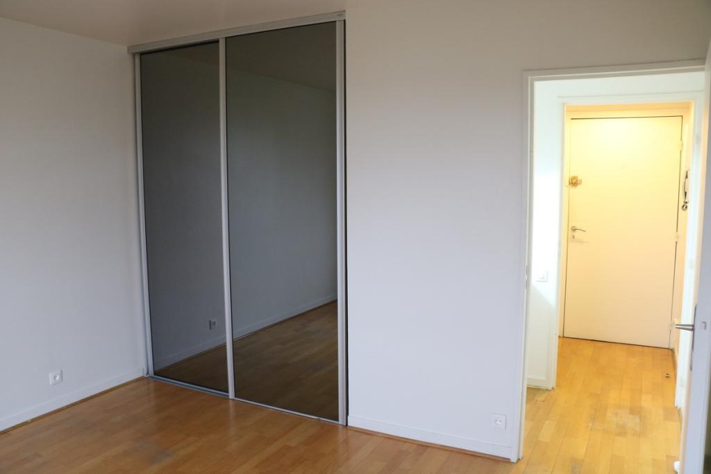 Entre particulier , studio, de 20m² à Issy-les-Moulineaux