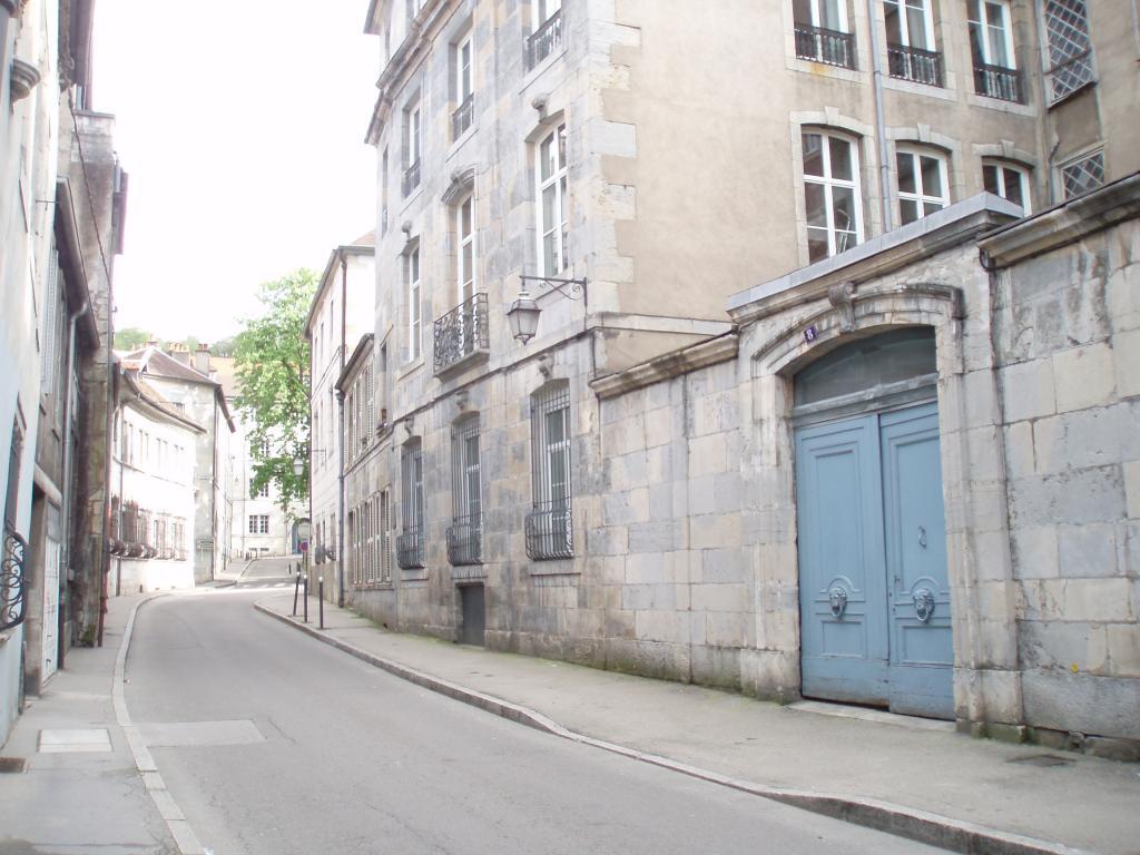 Entre particulier , chambre, de 10m² à Besançon