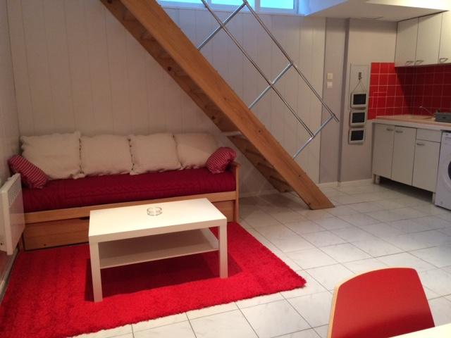 location d 39 appartement t2 meubl sans frais d 39 agence bordeaux 700 38 m. Black Bedroom Furniture Sets. Home Design Ideas