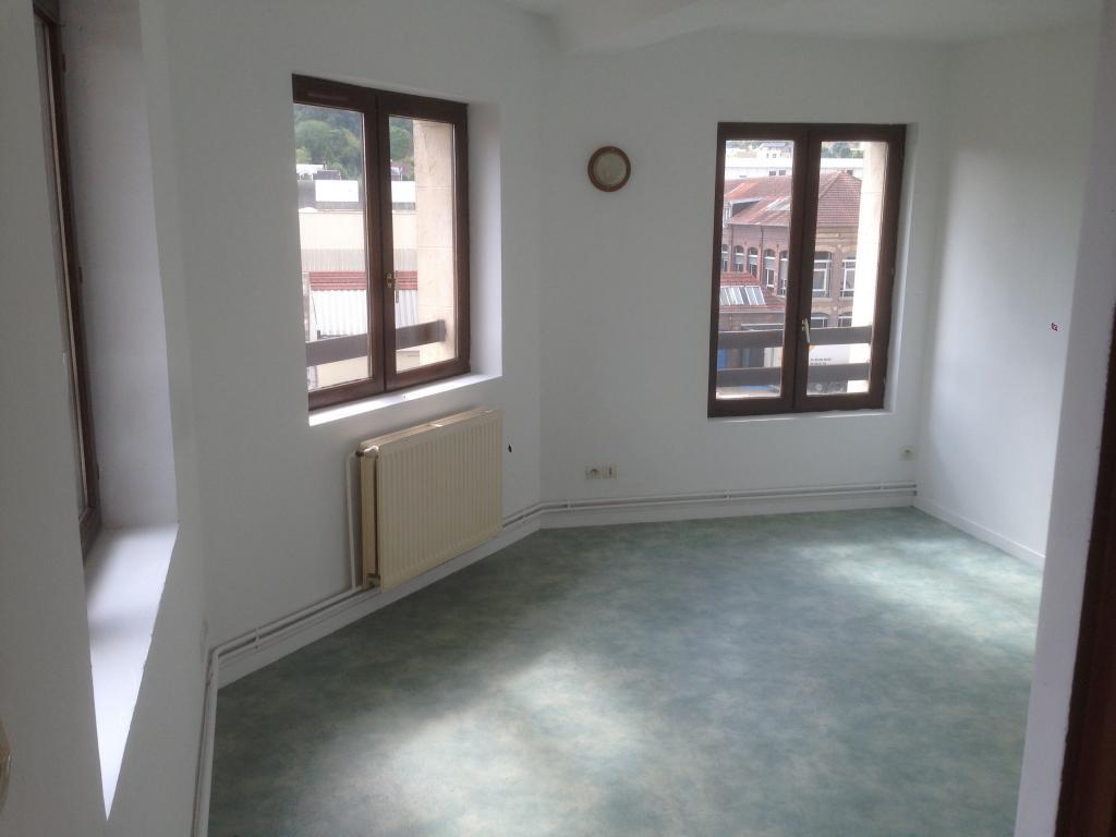 Location immobilière par particulier, La Londe, type appartement, 48m²