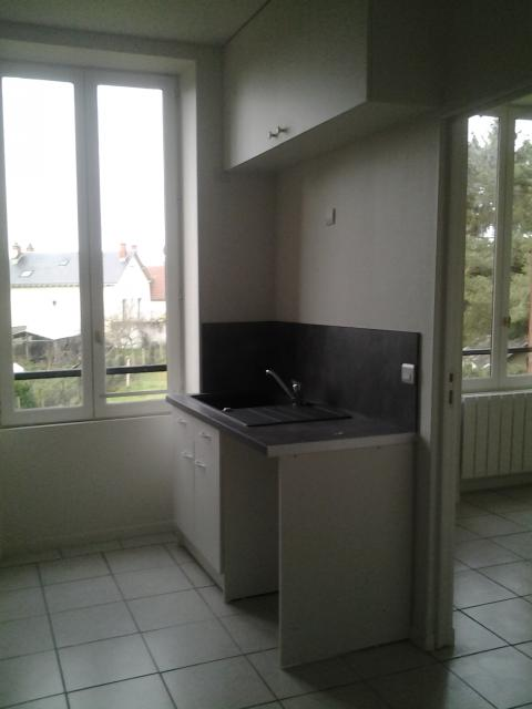 Location appartement T3 Vierzon - Photo 2
