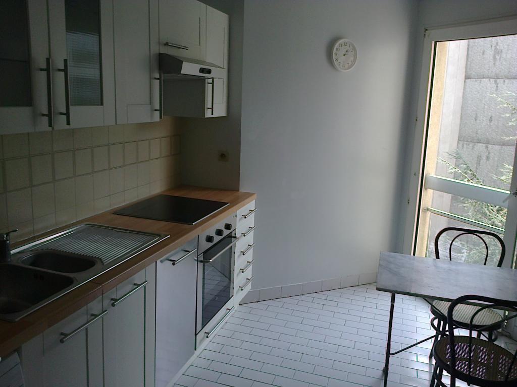 location d 39 appartement t2 meubl entre particuliers la celle st cloud 1100 57 m. Black Bedroom Furniture Sets. Home Design Ideas