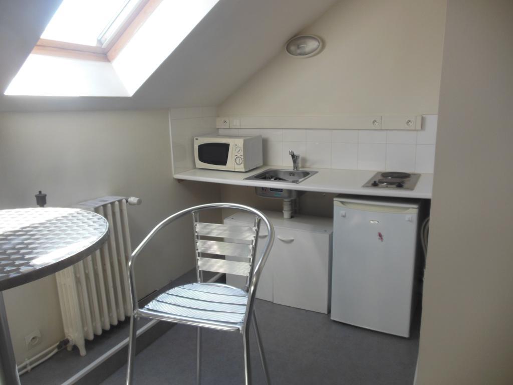 location d 39 appartement t1 meubl entre particuliers angouleme 390 20 m. Black Bedroom Furniture Sets. Home Design Ideas