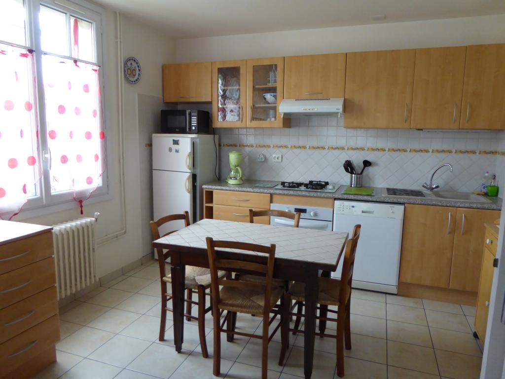 Location d 39 appartement t2 meubl entre particuliers for Combien coute une cuisine equipee