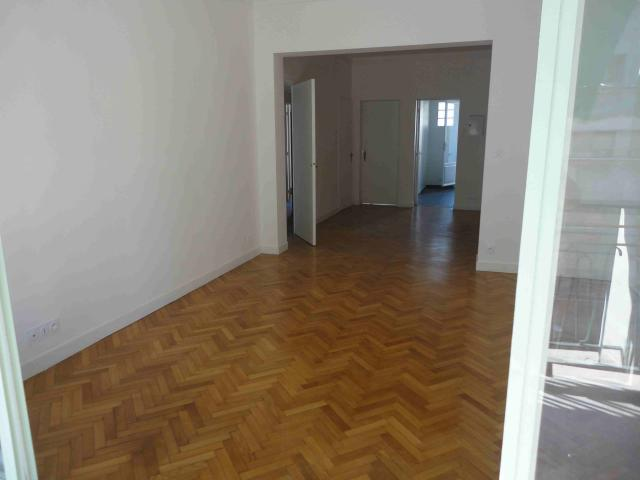Location appartement T3 Marseille 08 - Photo 4