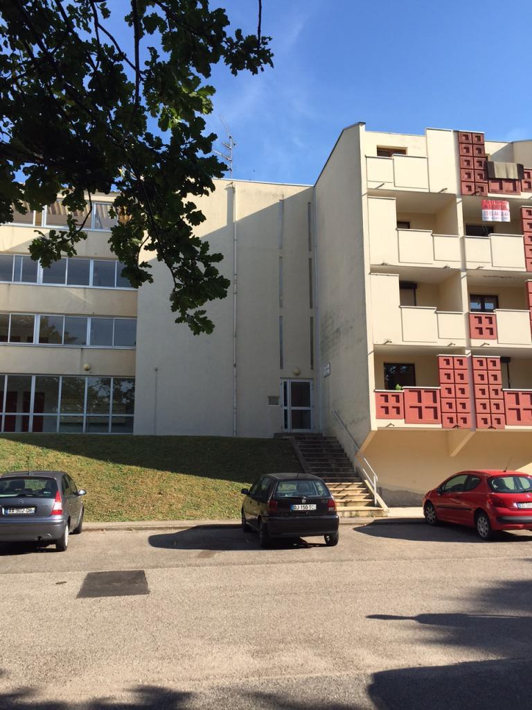 De particulier à particulier Vandoeuvre-lès-Nancy, appartement studio de 20m²
