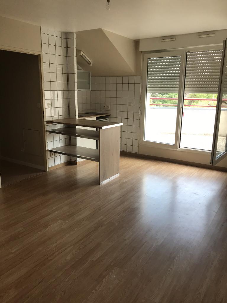 location d 39 appartement t2 de particulier particulier orleans 495 38 m. Black Bedroom Furniture Sets. Home Design Ideas