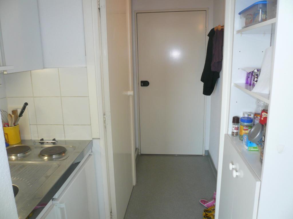 location de studio meubl de particulier particulier strasbourg 390 18 m. Black Bedroom Furniture Sets. Home Design Ideas