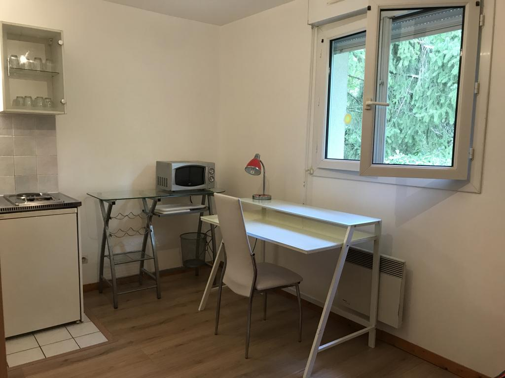 Location particulier à particulier, studio, de 14m² à Bures-sur-Yvette