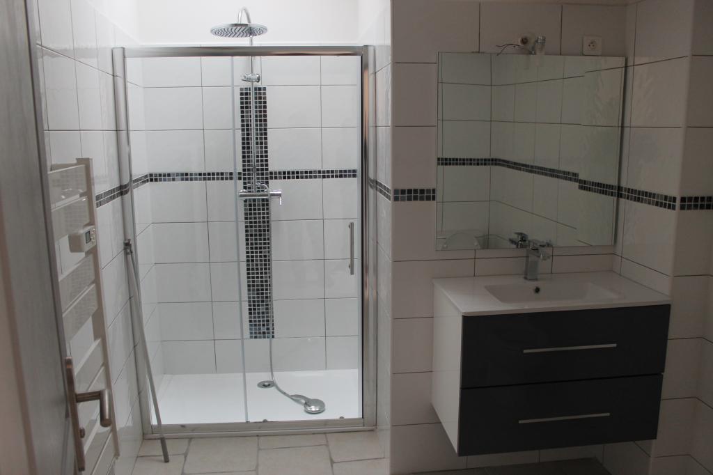 Appartement particulier, appartement, de 66m² à Camaret-sur-Aigues