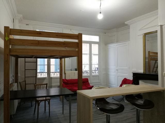 meubles limoges et la logistique du mobilier de bureau mobilier de bureau limoges ainsi que. Black Bedroom Furniture Sets. Home Design Ideas