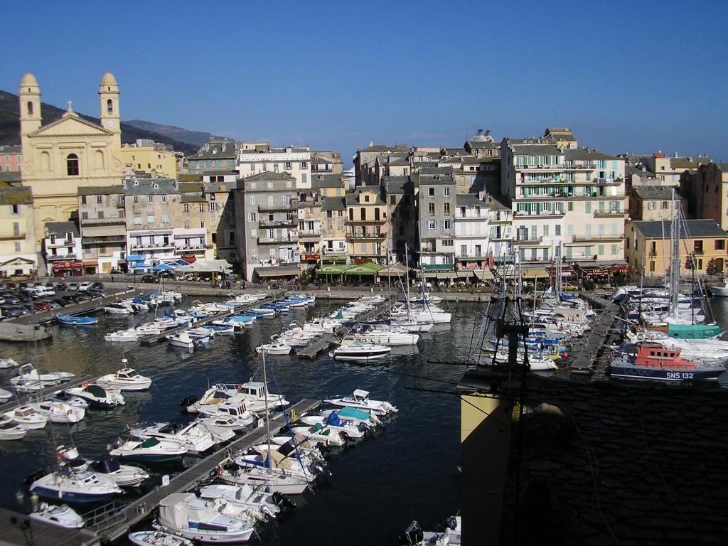 Location particulier à particulier, appartement à Santa-Maria-di-Lota, 25m²