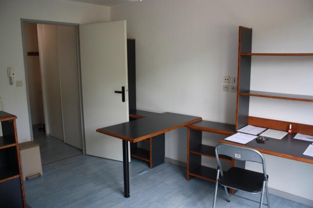 location de studio meubl sans frais d 39 agence besancon 365 19 m. Black Bedroom Furniture Sets. Home Design Ideas