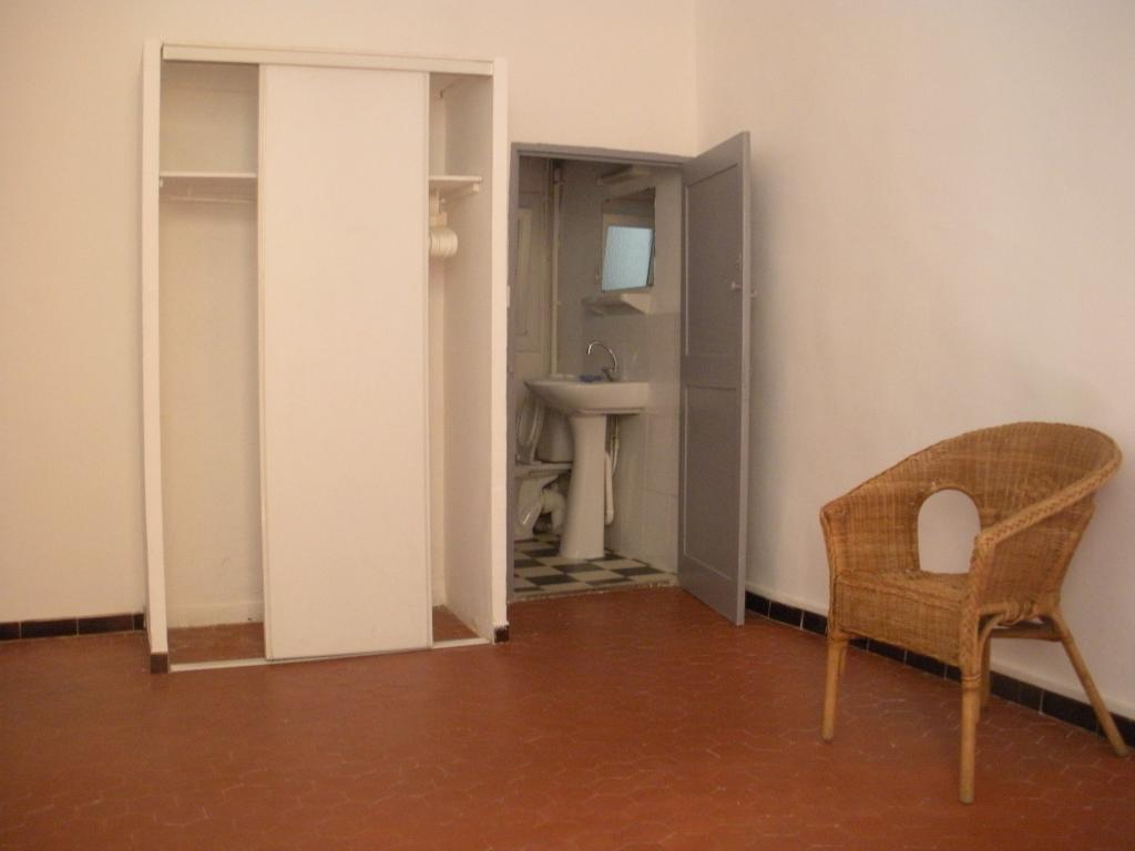 Location d 39 appartement t2 entre particuliers aix en - Bureau de poste rotonde aix en provence ...