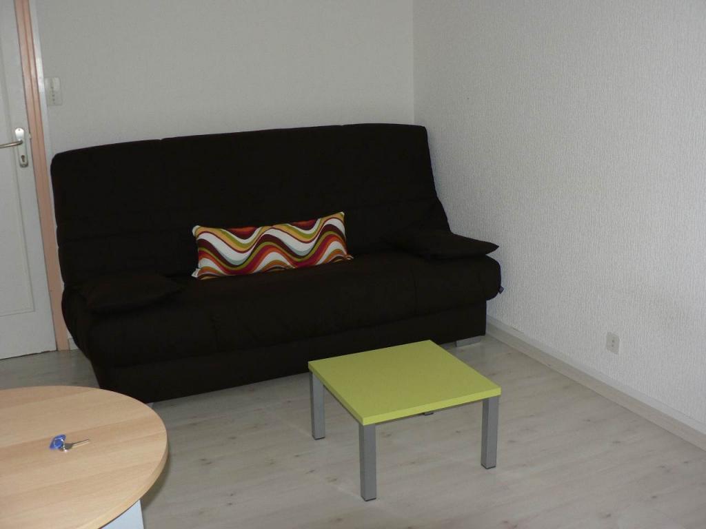 location particulier rennes studio de 19m location appartement. Black Bedroom Furniture Sets. Home Design Ideas