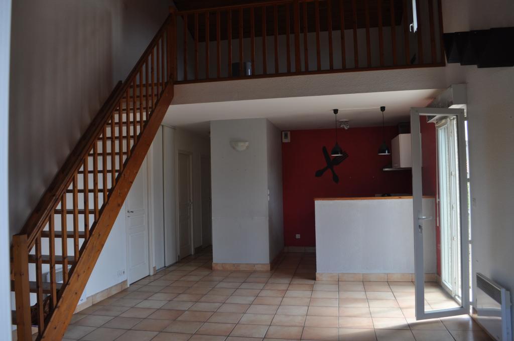 De particulier à particulier, maison, de 75m² à Saint-Sulpice