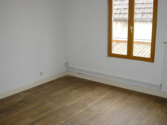 Location appartement T2 Villeneuve sur Yonne - Photo 2